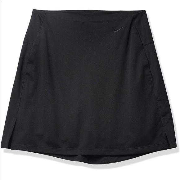 Nike Dri-Fit Golf Tennis Victory Skort in Black